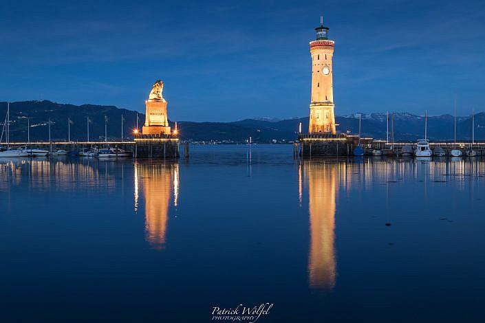Hafen Lindau zur blauen Stunde