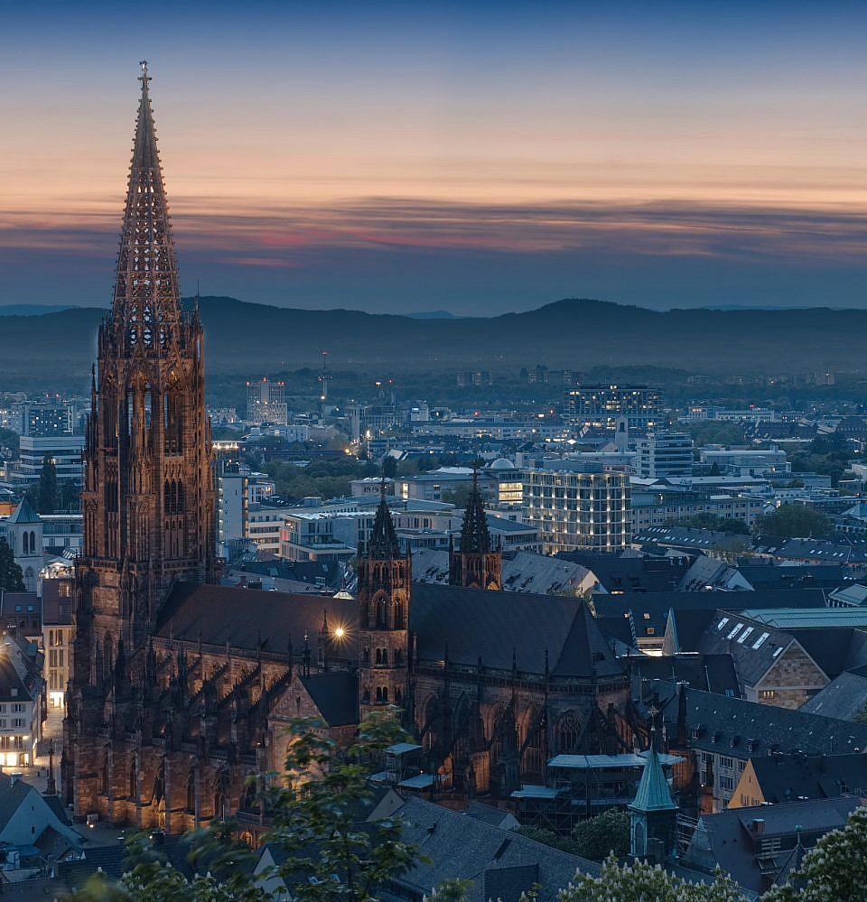 Neues Foto – Münster Freiburg zur blauen Stunde