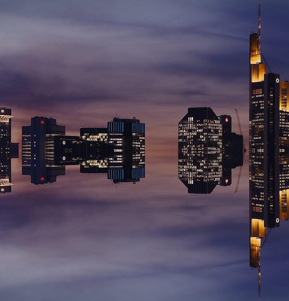 Neues Foto – Spiegel der Skyline Frankfurt