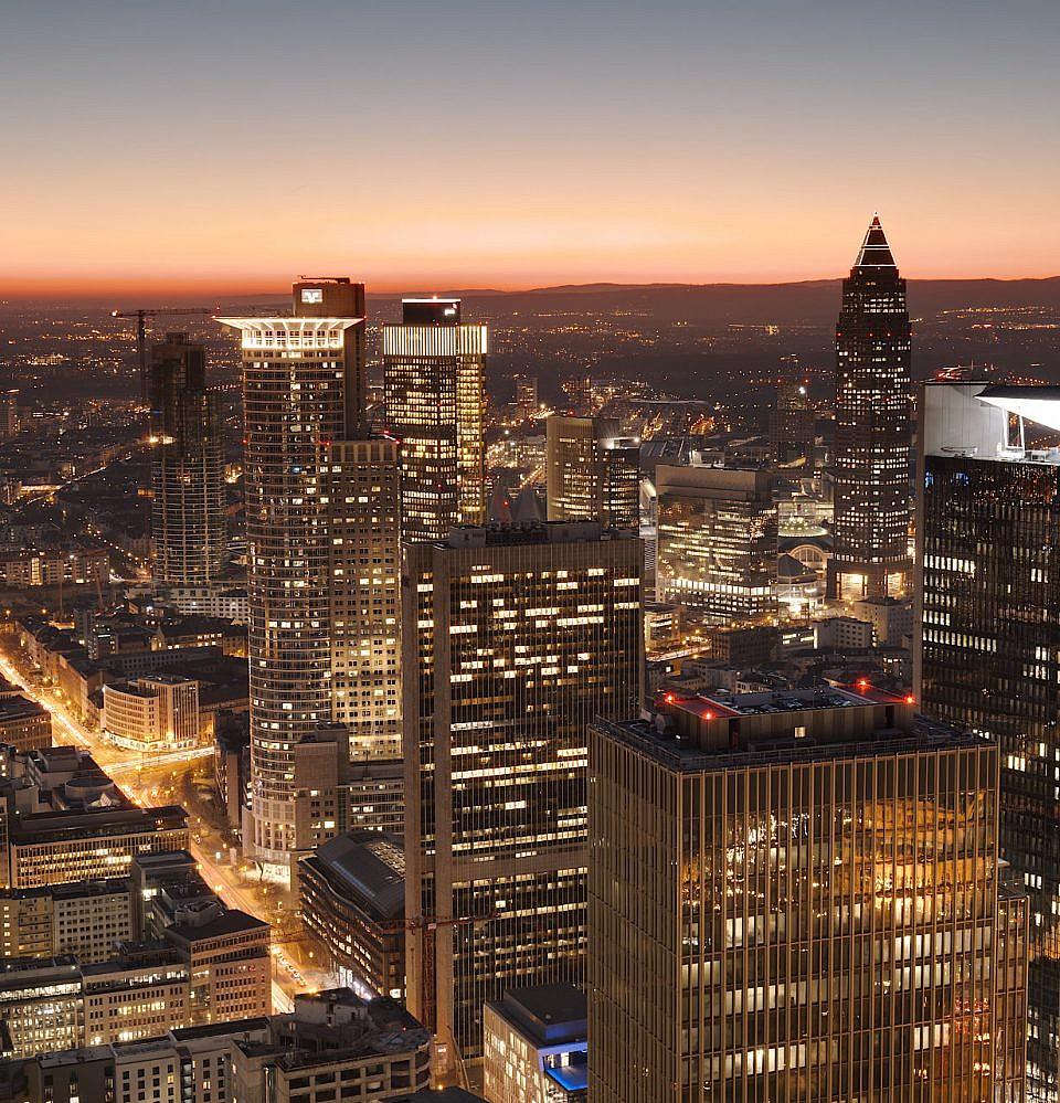 Neues Foto – Skyline Frankfurt blaue Stunde Blickrichtung Westen