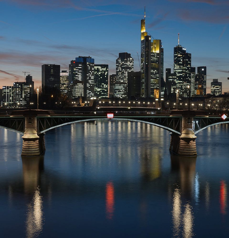 Neues Foto – Skyline Frankfurt von der Flößerbrücke